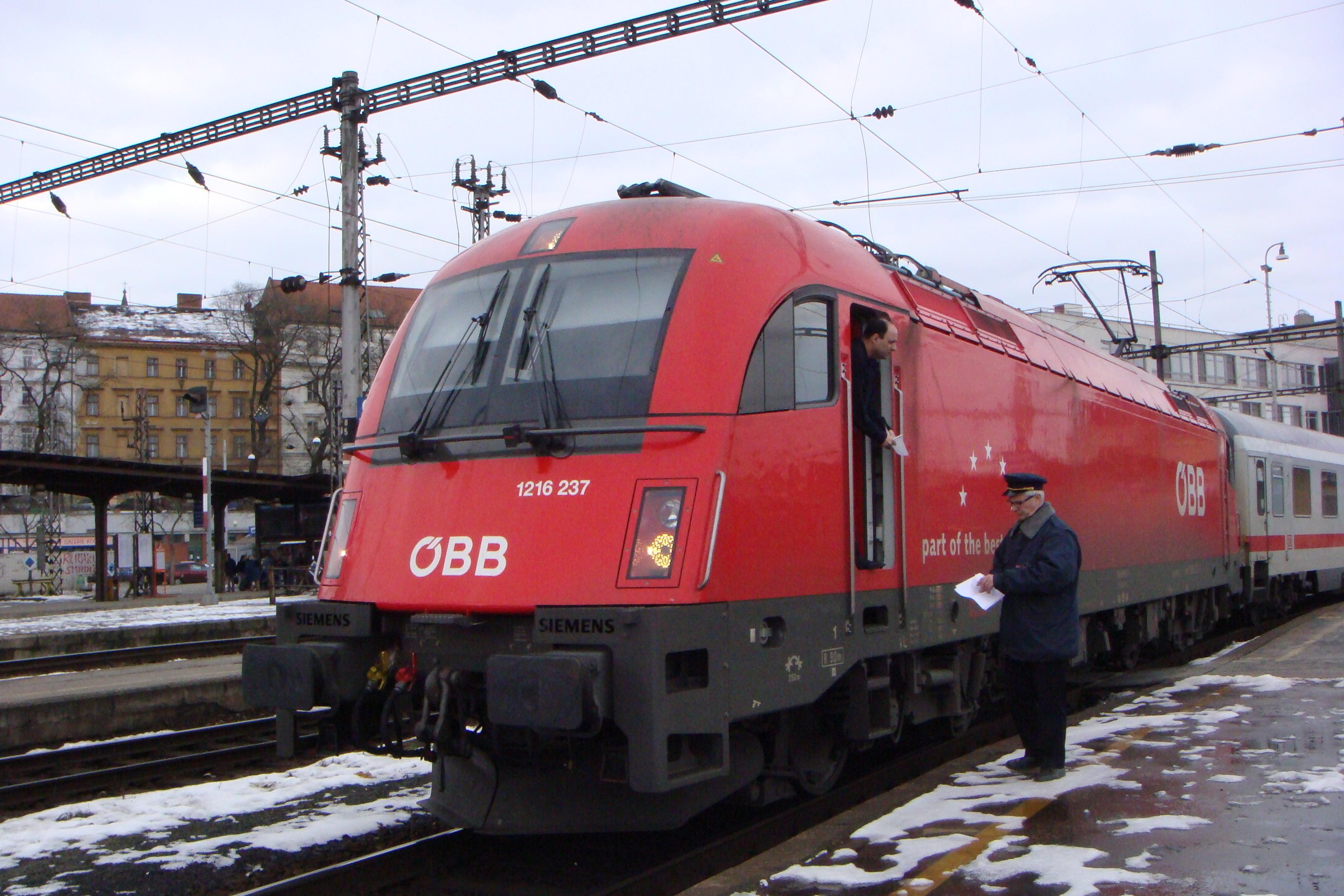 https://vlaky-vlaky.estranky.cz/img/original/55/1216-237-autor-jakub-pospisil-misto-brno-hl.n..jpg